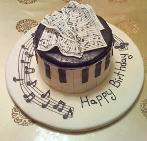 Imágenes de cumpleaños para un músico