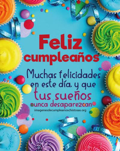 tarjeta de cumpleaños con ponques muchas felicidades